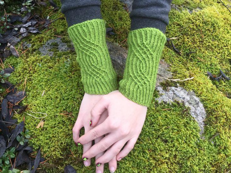 Elephant Boxers Knitting Pattern : Idag har vi den stora aran att fa bjuda pa ett monster fran Sanna Thors Skold...