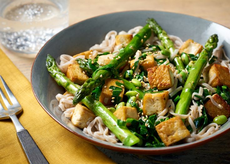 Step into Spring with this healthy green dish, a light option which is ready in just 20 minutes.