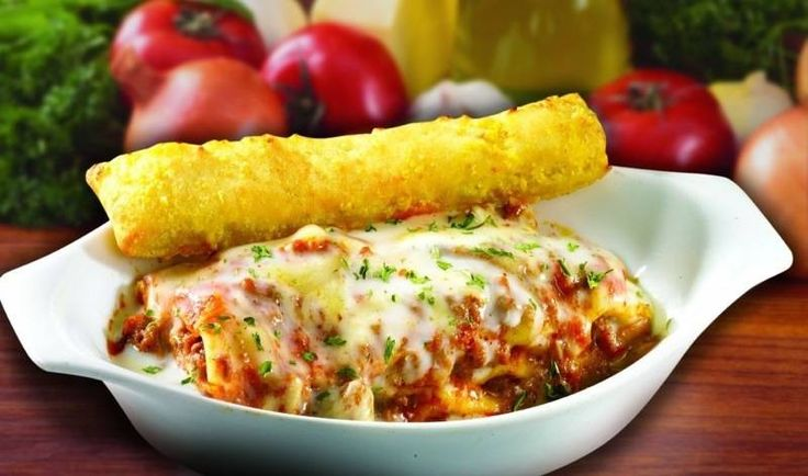 Ingredients: 1 pound ground beef 3/4 cup onion, chopped 2 garlic cloves, minced 2 tablespoons olive oil 28 ounces can crushed tomatoes 3 ounces tomato paste 1 cup water 1/2 teaspoon Each of basil, parsley and oregano salt and pepper, Continue reading   Greenwich-Style Lasagna Supreme Recipe→