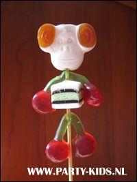 traktaties: snoep-poppetjes zelf maken