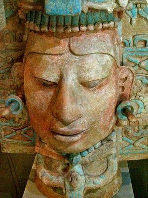 Escultura maya , que se encuentra en la ciudad en ruinas de Palenque . Era clásica ( 250-900 dC) Chiapas México