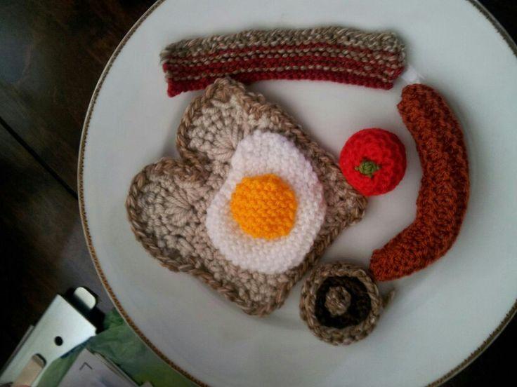Knitted big breakfast