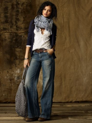 fall style - wide leg denim jeans - brown leather belt -