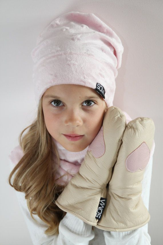 Childrens leather mittens Nude/Dusty Rose Heart by somaoriginal