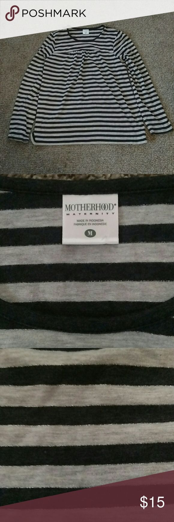 Super cute babydoll style Motherhood Maternity M Motherhood Maternity babydoll style shirt. Navy & gray. Worn once excellent condition. Will bundle maternity clothes cheap!! Motherhood Maternity Tops Tees - Long Sleeve