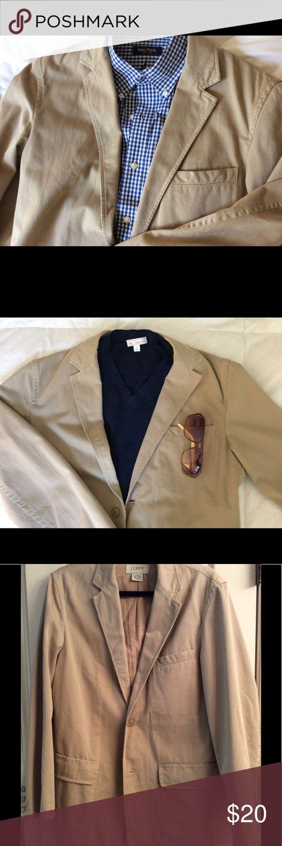"Price change! Men's JCREW Khaki Blazer, size S Versatile! Back slit, flapped pockets, extra buttons, For that slender fellow. Shoulder-shoulder 19"", top of collar to hem 32"" JCREW Jackets & Coats"