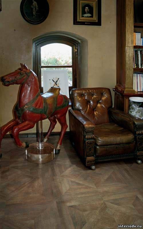 Instarsio Roberto Cavalli Tiles - There's an element of sophisticated energy #RobertoCavalli #LuxuryTiles #Flooring #HomdeDesign #InteriorDesign #LuxuryInteriors #Luxury #TIles