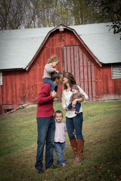 Best 25 family of 3 ideas on pinterest fall family for Family of 3 picture ideas