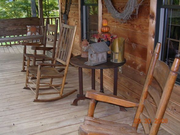 Country country decorating ideas pinterest to be for Country porch catalog