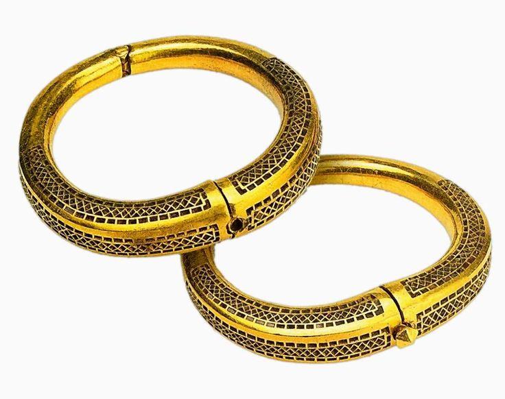 7 век Золото Византия Малое Перещепино, Украина. Такие браслеты преподносились как военные награды и посольские подарки