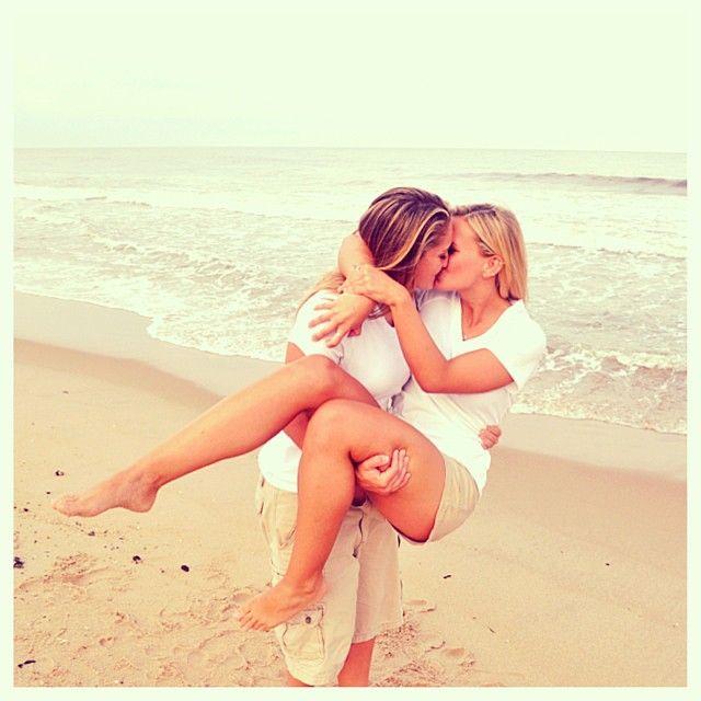 lesbian lift and kiss