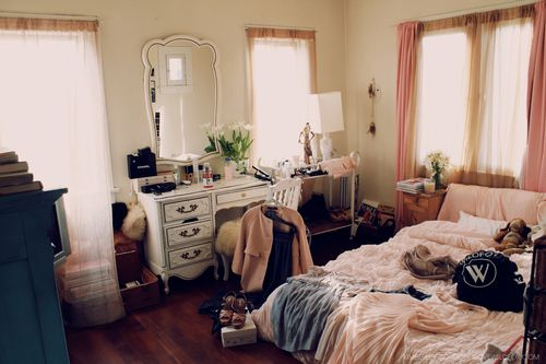 Never Seen Such A Cute Messy Room R O O M Pinterest My Life Chic And B