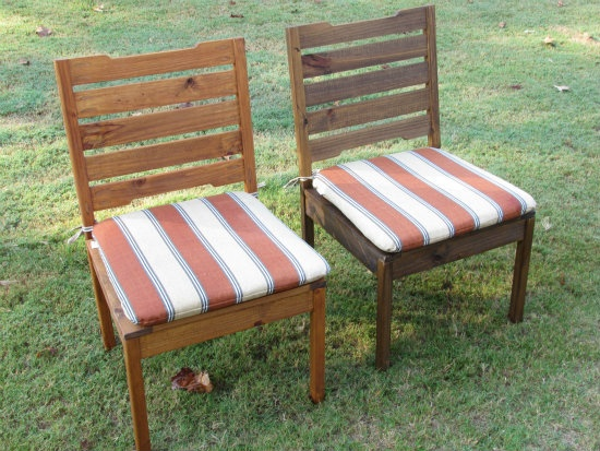 Builders Showcase: Rustic Outdoor Chair - www.thedesignconfidential.com