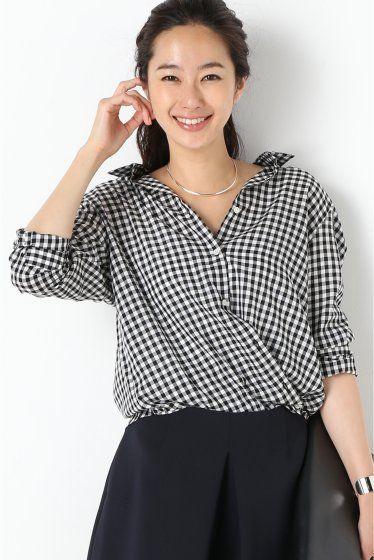 テンセル カシュクールシャツ  テンセル カシュクールシャツ 14040 2016SS IENA 人気シリーズ リピートを繰り返している大人気のカシュクールシャツ ボタンをお好みで留めていただくことでカシュクール風に着て頂けます 落ち感のあるテンセルの素材感で女性らしい印象に 取り扱いについては商品についている品質表示でご確認ください テンセルリヨセル製品 摩擦による変色や白化になることがあります こちらの商品はIENAでの取り扱いになります 直接店舗へお問い合わせの際はIENA店舗へお願い致します モデルサイズ:身長:168cm バスト:81cm ウェスト:59cm ヒップ:88cm 着用サイズ:36