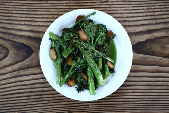 Paleo Autoimmune Protocol Seared Broccolini with Garlic Chips and Pesto. Looks amazing!