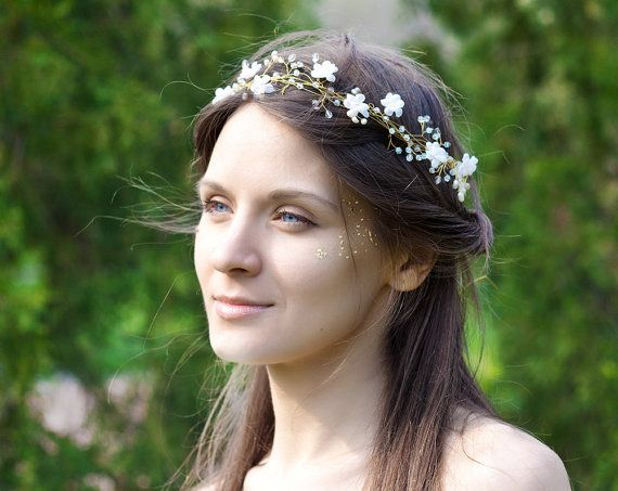 Hey, I found this really awesome Etsy listing at http://www.etsy.com/listing/130912158/bridal-headband-pearls-and-crystals