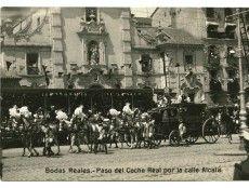 Madrid, 31/5/1906.- Boda de Alfonso XIII con Victoria Eugenia Julia Ena de Battenberg. La comitiva a su paso por la calle Alcalá