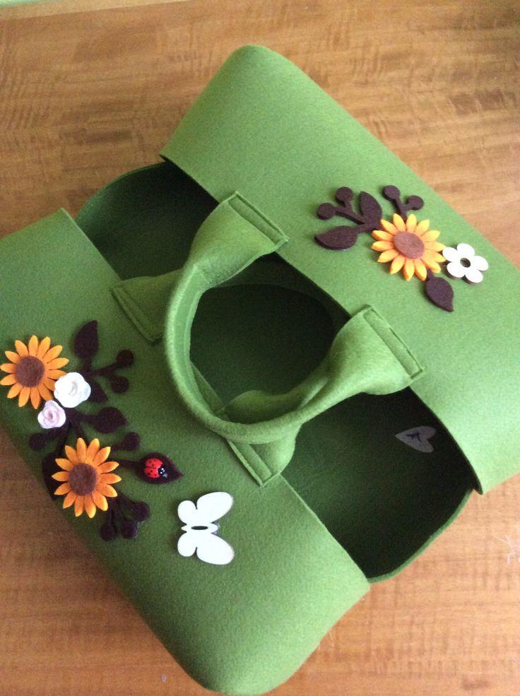 Verde con girasoli