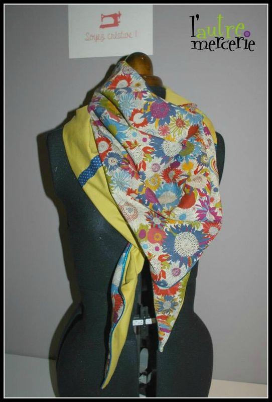 Le tuto du foulard triangle passepoilé
