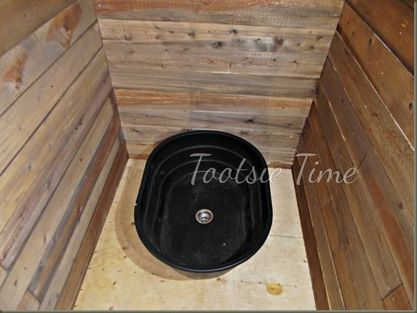 livestock feed trough turned bathtub??? http://www.tootsietime.com/2013/11/if-walls-of-this-old-house-could-tell_24.html