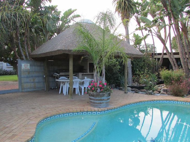 Southcliff Guest House - Table View is a suburb situated along the West Coast of Cape Town, a mere 15 minutes from Central Cape Town and the V&A Waterfront and five minutes away from Century City, with Canal Walk being the largest ... #weekendgetaways #bloubergstrand #capemetropole,blaauwberg #southafrica