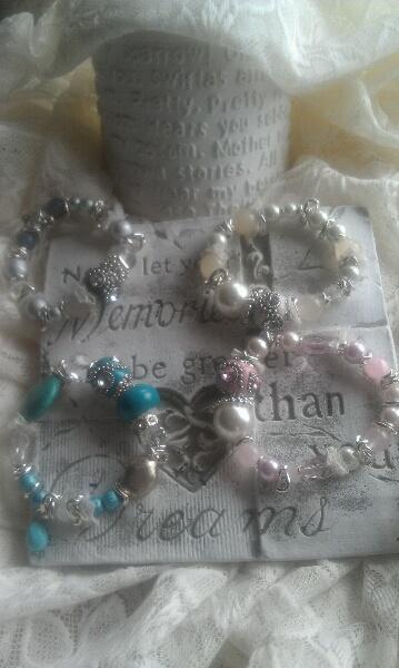 lovely jewellery, http://sussili.blogspot.se/2013/04/handgjorda-smycken-med-omsorg-den-ena.html