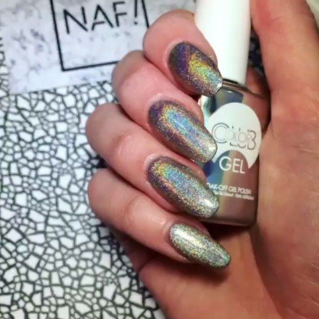 Shooting Rainbows with this Harp On It Color Club Gel manicure! @nafsalon #colorclub #colorclubgel #harponit #holographic