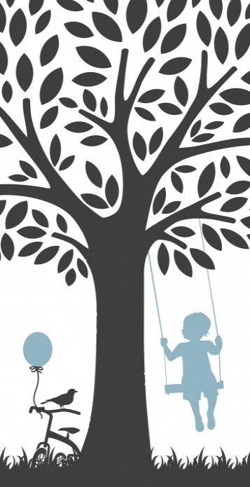 Lief schattig geboortekaartje met een jongetje op de schommel aan een boom en zijn loopfietsje met ballon ernaast. De achterkant is modern en strak.