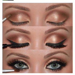 Golden smoky eyePretty Eye, Cat Eye, Eye Makeup, Eye Shadows, Blue Eye, Eyeshadows, Eyemakeup, Smokey Eye, Gold Eyes