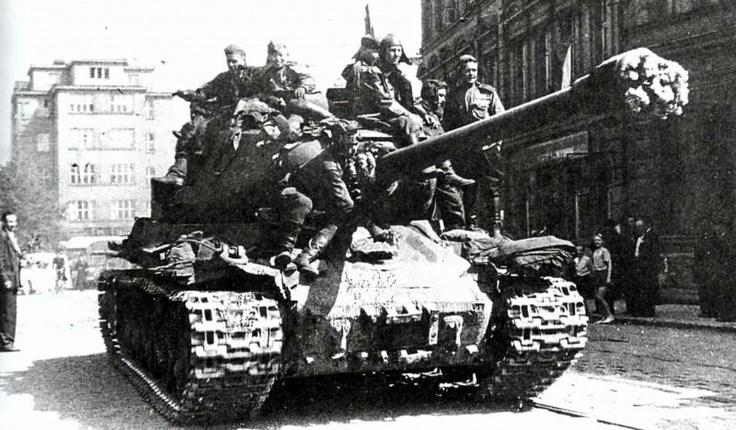 Is-2 in Prague, 1945