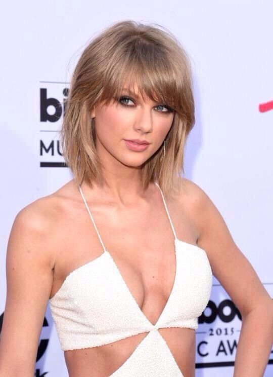 Taylor Swift at the 2015 Billboard Music Awards