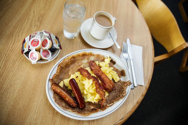 Finnish Pancakes With a Side of Canada's Labor History - NYTimes.com