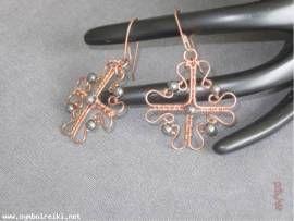 Ohrringe Kreuz mit Hämatit ::: VERKAUFT ::: kann auf Wunsch angefertigt werden - Bild vergrößern