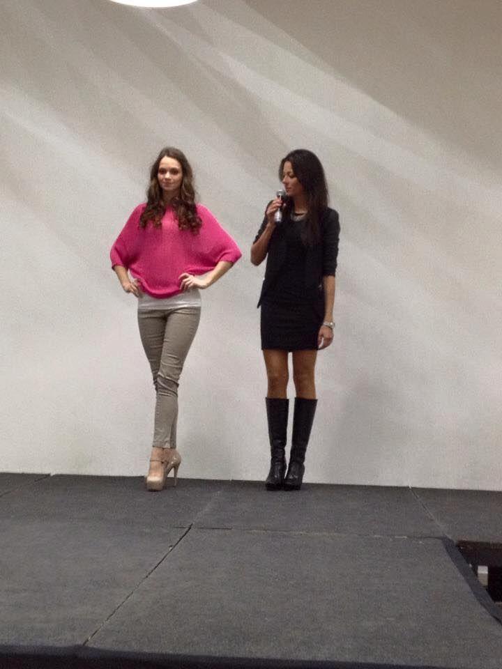 Dnes jsem jako módní poradkyně radila ženám jak se správně oblékat, jaké trendy vévodí pro sezónu jaro, léto 2015 a moderovala módní přehlídku v rámci oslavy MDŽ v obchodním centru Park Hostivař.