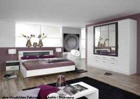 Dormitor 4 buc in Alpine White, cu ornamente din metal gri, unitatea de W: 226 cm, pat cu 2 mese de pat și pat 180 x 200 cm