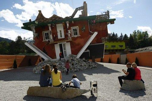 Перевернутый дом в Терфен