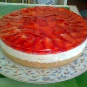 Cheesecake with strawberries without baking. Recipes with photos of delicious cakes.