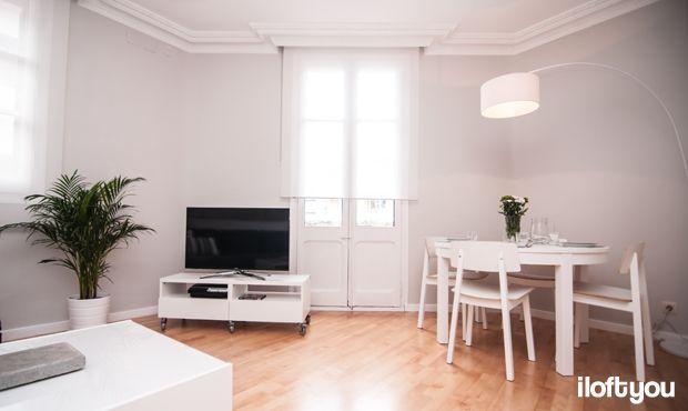 #proyectoindustria #iloftyou #interiordesign #ikea #barcelona #lowcost #diningroom #bjursta #sigurd #papua #faroiluminacion #enje #besta #livingroom #boksel #kivik