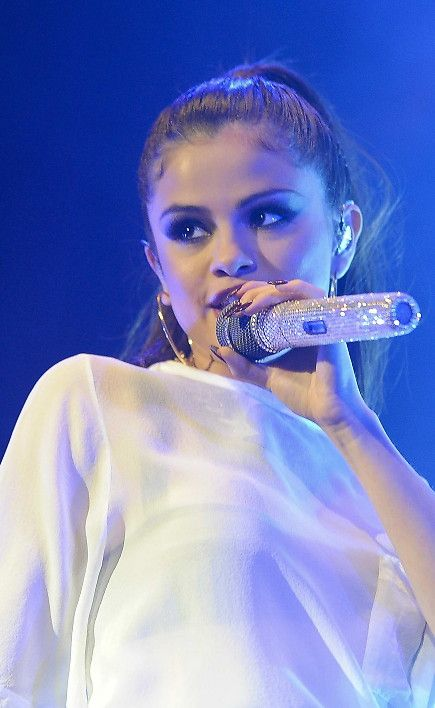Selena Gomez : Un concert parisien en toute simplicité - StarsBlog.fr