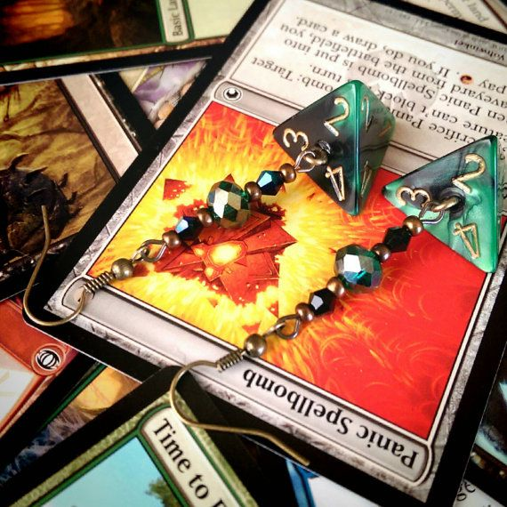 Check out this item in my Etsy shop https://www.etsy.com/ca/listing/286650115/magic-the-gathering-d4-green-and-black