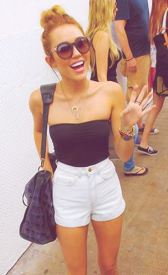 Miley Cyrus - I want this outfit. @Ashlee Outsen Outsen Colby I feel like you would like this outfit also!