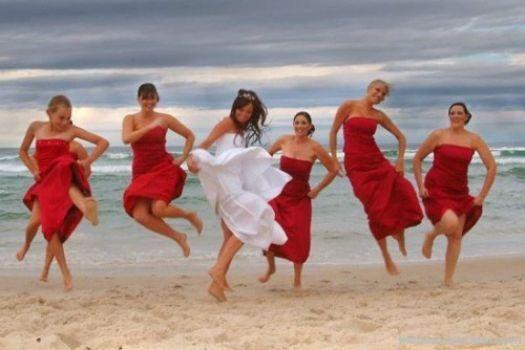 Vestidos de dama de honor para bodas en la playa