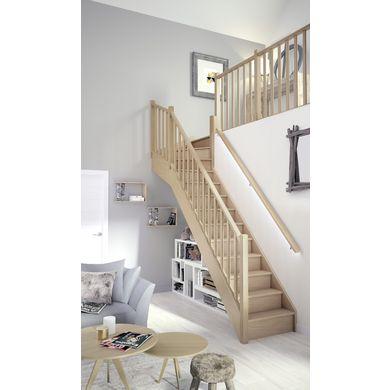 L'aspect bois brut de l'escalier quart tournant haut apporte un touche d'authenticité à votre intérieur.