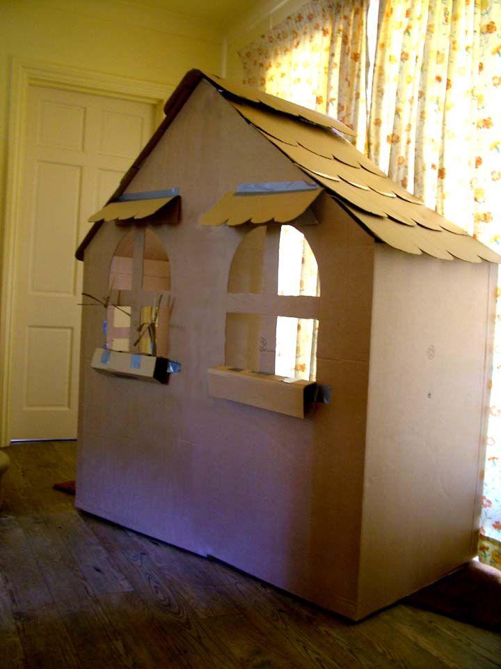 DIY Speelhuis uit een kartonnen doos