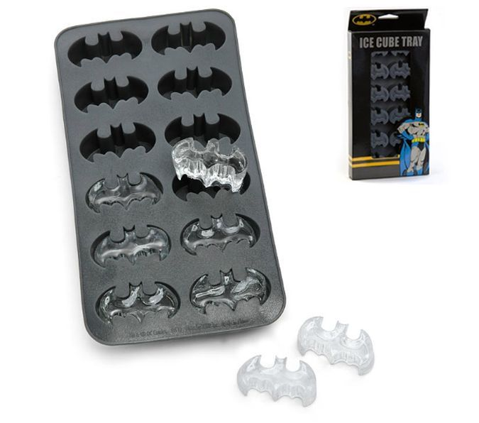 Have Your Drinks In Batman Style With The Batman Ice Cube Tray http://coolpile.com/home-stuff-magazine/have-your-drinks-in-batman-style-with-the-batman-ice-cube-tray/ via CoolPile.com - $13 -  Amazon.com, Batman, Cool, DC Comics, Drinks, Gifts For Her, Gifts For Him, Kitchen, Silicone, Superheroes