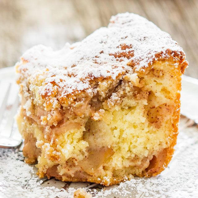 Apple Pie Cake - Is it pie or is it cake? It's both! For those times when you can't decide if you want pie or cake, this apple pie cake will satisfy both cravings!