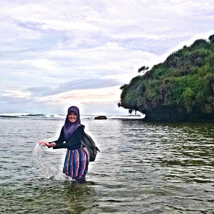 Pantai Drini, Gunung Kidul, Wonosari, Yogyakarta, Indonesia.