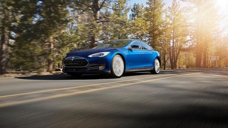 Nach tödlichem Unfall: US-Verkehrsaufsicht prüft Tesla-Autos
