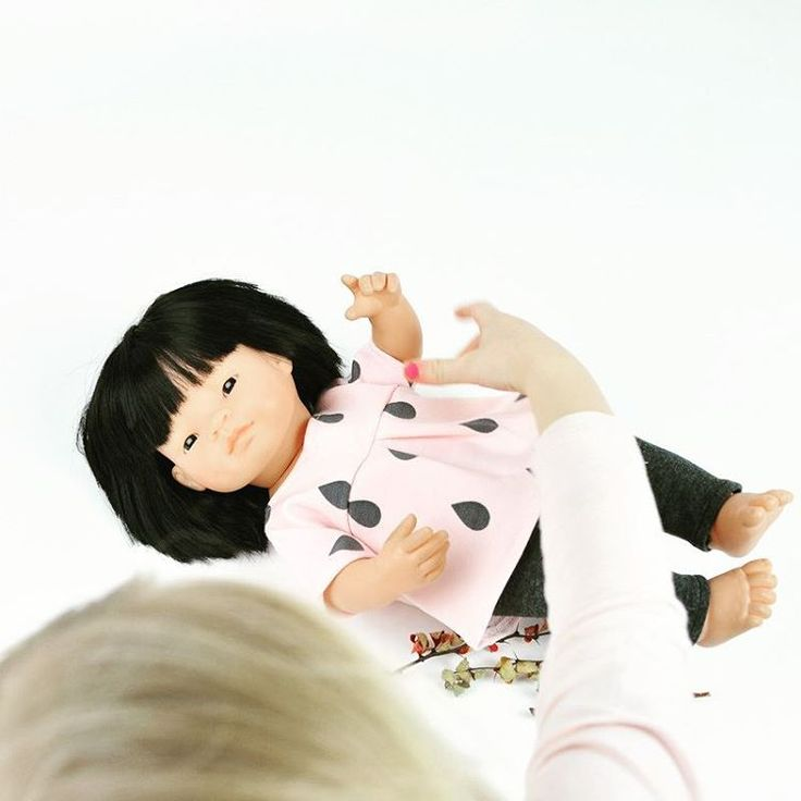 Working with a little helper today. That Miniland doll set is the most popular one. #przytullale #miniland #minilanddoll #minilanddolls #minilanddollsclothes #dollsclothing #dollsaccessories #etsyshop #etsydoll #etsyseller #dawnada #xmas #xmasgift #giftforkids #giftforgirls