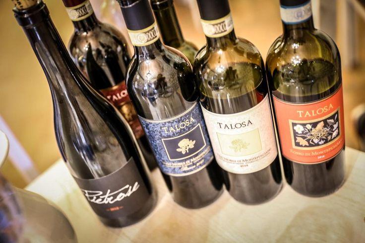 Odwiedzając malownicze wzgórza Toskanii, nie sposób ominąć Montepulciano, leżącego na szczycie wapiennego wzgórza miasteczka, które królując nad doliną Valdichiana jest niewątpliwie wizytówką południowej Toskanii, a to za sprawą znanego na całym świecie Vino Nobile di Montepulciano.  http://exumag.com/talosa-wino-piwnic-montepulciano/